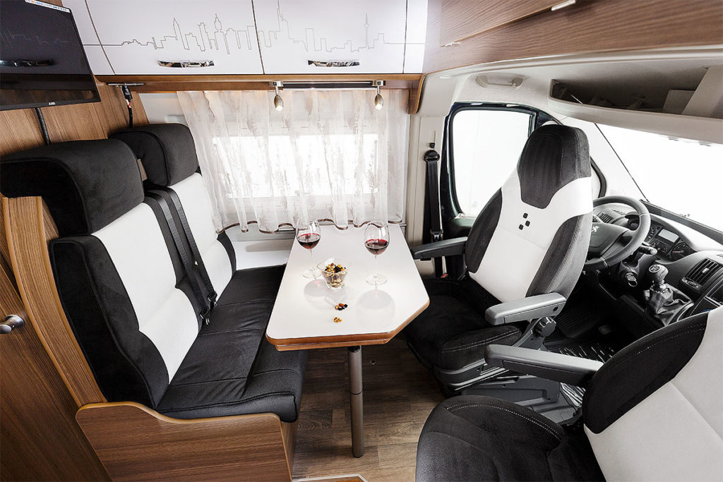 Bravia mobil Swan 599 Edition 30 - Modernes Design - NTC Bus-Store in Erfurt