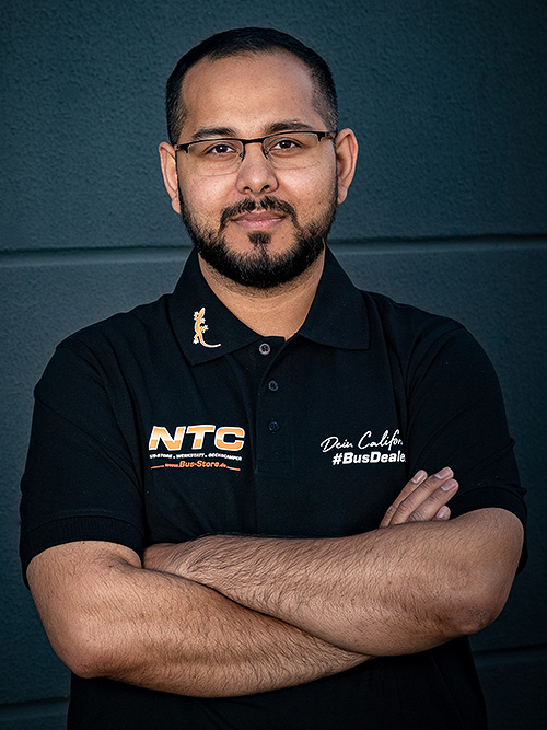 Umair Khan, KfZ-Meister   Serviceleiter